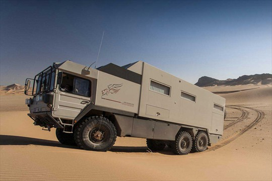 man hx kat on pinterest military man expedition truck. Black Bedroom Furniture Sets. Home Design Ideas