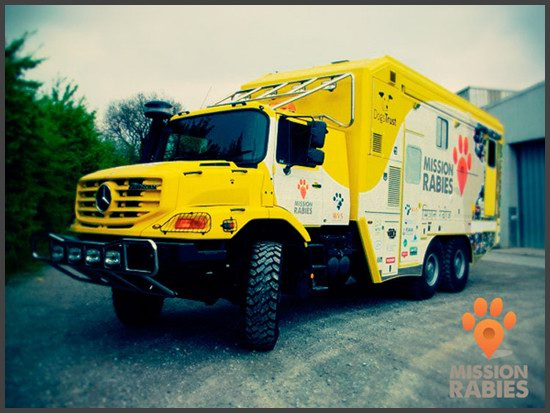 Mercedes Benz Zetros 2733A 6x6 Veterinary Clinic by Mission Rabies in India